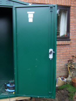 The door is secured into the door frame at the top bottom and next to the door handle. & Building an Asgard Shed - These pictures show a sequence of how ... Pezcame.Com