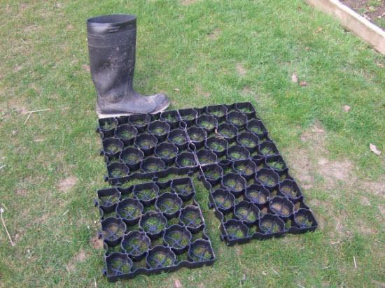 Interlocking plastic foundation grids