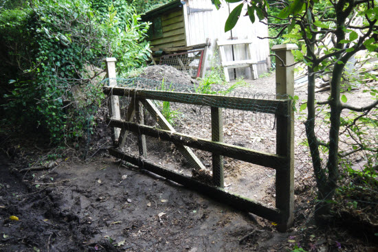 gate post supply and installation