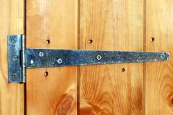 Standard shed door hinge